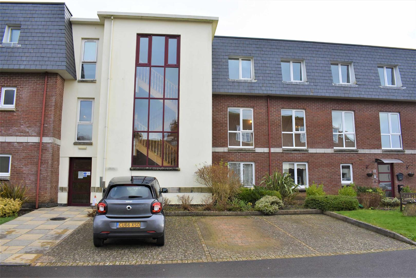 Willow Court, Clyne Common, Swansea, SA3 3JB
